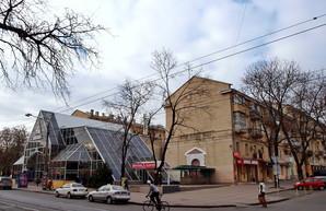 В Одессе начали реконструировать бывшую цветочную галерею у дома Папудова (ФОТО)