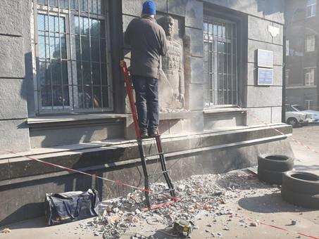 В Одессе снесли памятник советскому маршалу Жукову