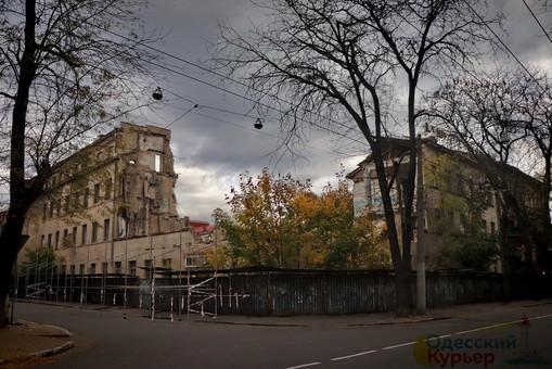 В Одессе на улице Торговой построят шестиэтажный ТРЦ с подземным паркингом вместо снесенной бани (ФОТО)