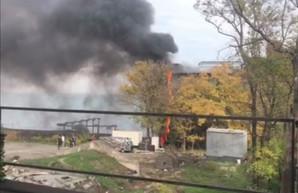 В Одессе горел отель на пляже Ланжерон (ВИДЕО)