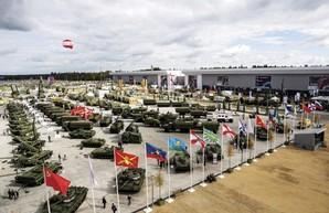 """Россия продолжает наращивать распродажу оружия """"за бесплатно"""""""