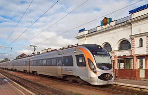 Скоростной поезд Киев – Одесса пострадал от нападения вандалов