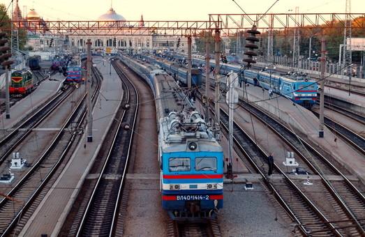 На зимние праздники «Укрзализныця» назначила два дополнительных поезда в Одессу