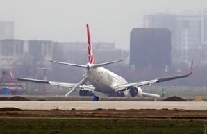 Возобновление работы Одесского аэропорта запланировано на 10 часов вечера