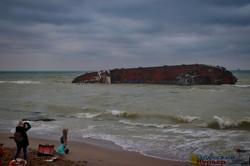 Крушение танкера на одесском пляже: почему случилась авария