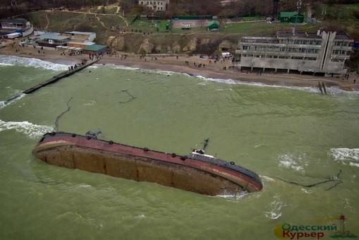 Одесское кораблекрушение: полиция возбудила дело, а чиновники поспорили