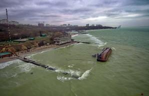 Потерпевший кораблекрушение танкер «Delfi» будут снимать с мели