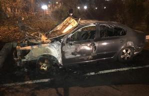 Поджог: в Одессе сгорела машина начальника таможни