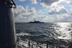 ВМС Украины и французский корвет провели учения в море неподалеку от Одессы (ФОТО)