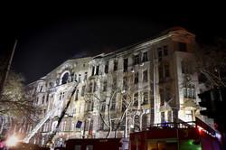 Пожар в Одессе на Троицкой все еще тушат (ФОТО, ВИДЕО)