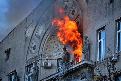 На пожаре в Одессе пропали полтора десятка человек: их разыскивают