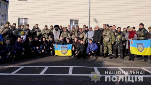 """Бойцы одесского батальона """"Шторм"""" отправились на фронт под Мариуполем"""