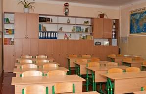 Из-за пожара в Одесском колледже экономики в области начинают закрывать школы