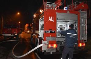 В Одессе во время пожара сотрудник водоканала спас людей от взрыва газовых баллонов