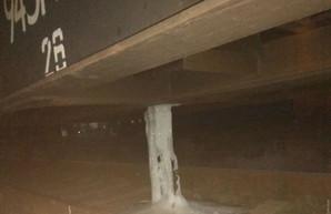 На вокзале Раздельной в Одесской области бензол вытекал из цистерны