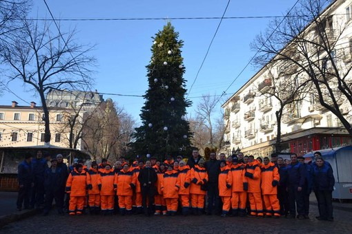 Одесских коммунальщиков одевают в униформу (ФОТО)