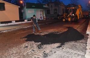 В Измаиле Одесской области булыжную мостовую закатали в асфальт