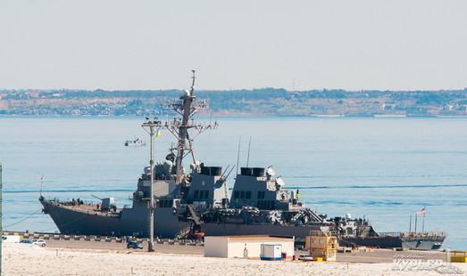 В Одессу зашел мощный боевой корабль США