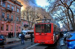 В Одессе продолжает оставаться перекрытой улица Троицкая