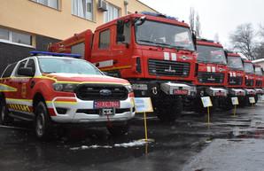 Спасателям Одесской области передали шесть новых пожарных машин