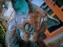 В Одессе открыли памятник коту, который любит рыбу (ФОТО)