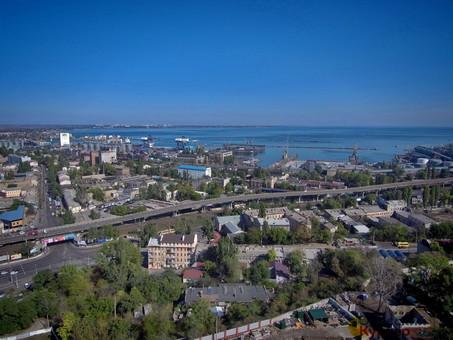 В Одессе в трех местах ремонтируют водопровод