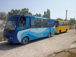 В Белгороде-Днестровском ходит уникальный автобус, в котором юным пассажирам дарят игрушки (ФОТО)