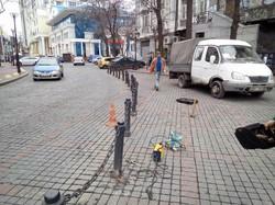 В Одессе на Греческой площади орудовали вандалы (ФОТО)