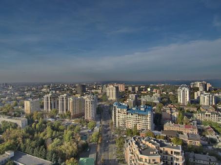 Завтра отключат воду в Одессе на Французском бульваре