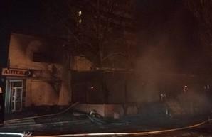 Ночной пожар в Одессе: сгорело кафе