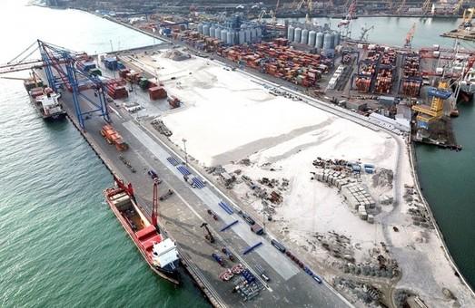 «Контейнерный терминал Одесса» обзавелся четырьмя новыми кранами