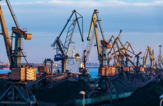 В порту Пивденный под Одессой установили рекорд разгрузки вагонов