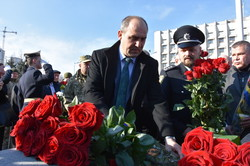 Официоз: как в Одессе почтили память героев Небесной Сотни (ФОТО)