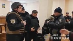 В Одессе подозреваемый в убийстве угрожал взорвать гранату в зале суда