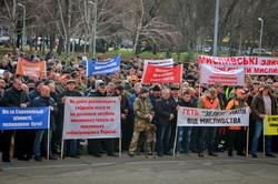 В Одессе охотники митингуют за то, чтобы продолжать убивать животных (ФОТО)