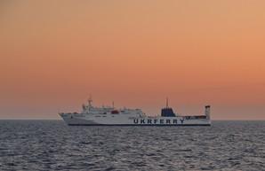 Порт Черноморск под Одессой принял паром «Грейфсвальд», который доставил из Грузии 118 украинцев