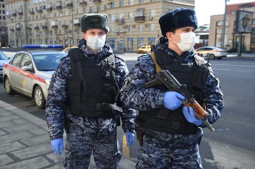 "Россия ""спасает"" Каракас, Бергамо, Нью-Йорк, Белград… Но кто спасет россиян?"