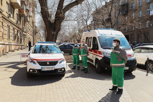 Медики Одесской области будут получать надбавки к зарплате за борьбу с коронавирусом: кому, сколько и откуда
