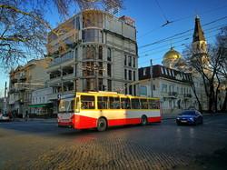 Одесский общественный транспорт перевозит пассажиров по спецпропускам