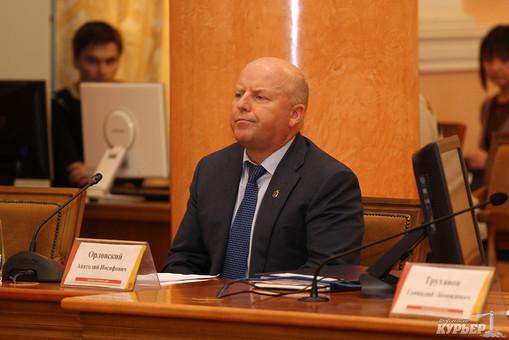Чем богат бывший первый заместитель Труханова