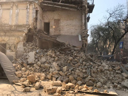 Момент обрушения дома в центре Одессы оказался запечатлен на видео