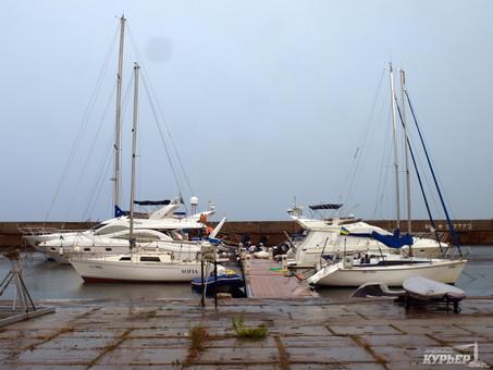 Фонд госимущества намерен сдать Черноморский яхт-клуб в аренду
