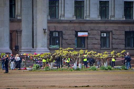 2 мая в Одессе на Куликовом поле: малолюдно и с санитарной обработкой (ФОТО, ВИДЕО)