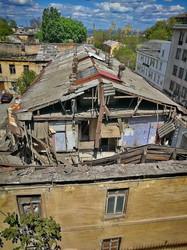 В центре Одессы обрушился старый дом на Деволановском спуске (ФОТО)