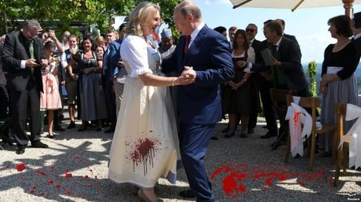Русские своих не бросают или про профит грязных танцев безработной Карин Кнайсль