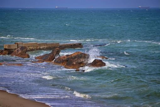 Одесский исполком постановил снести всего три настила на пляжах