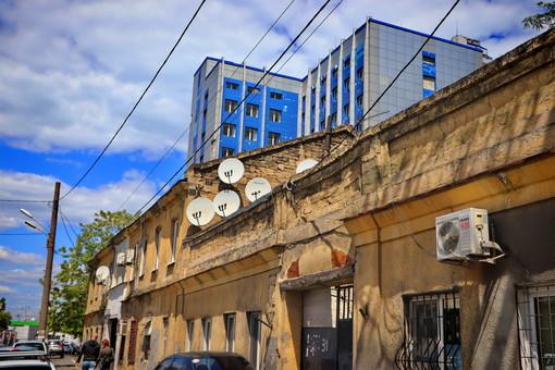 """Дом на Среднефонтанской """"отселяют"""" еще с 2003 года"""