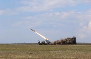 Минобороны показало успешные ракетные пуски в Одесской области (ФОТО, ВИДЕО)