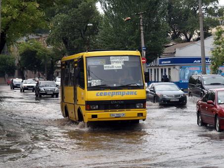 Одессу заливает сильнейший ливень