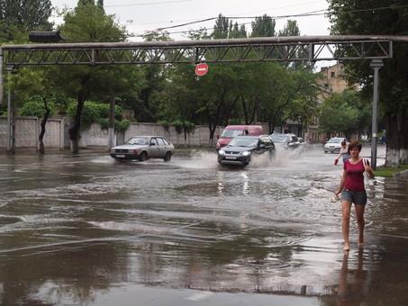Больше чем сегодня дождя в Одессе налило только в 1962 году
